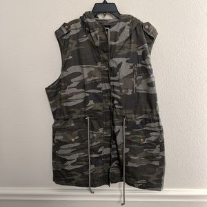 Zenana Outfitters Jacket Vest Camo Tactical Hooded